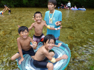 川遊びに行きました